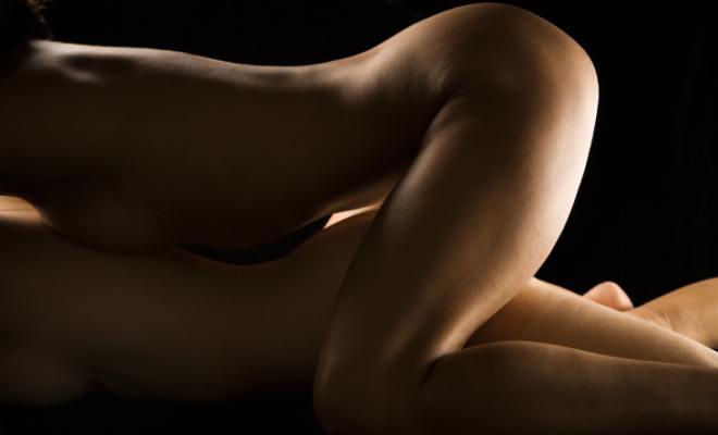 stimularea manuală a penisului de către o femeie