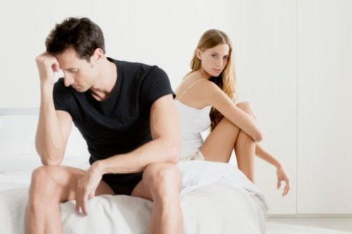 în timpul actului sexual, erecția dispare